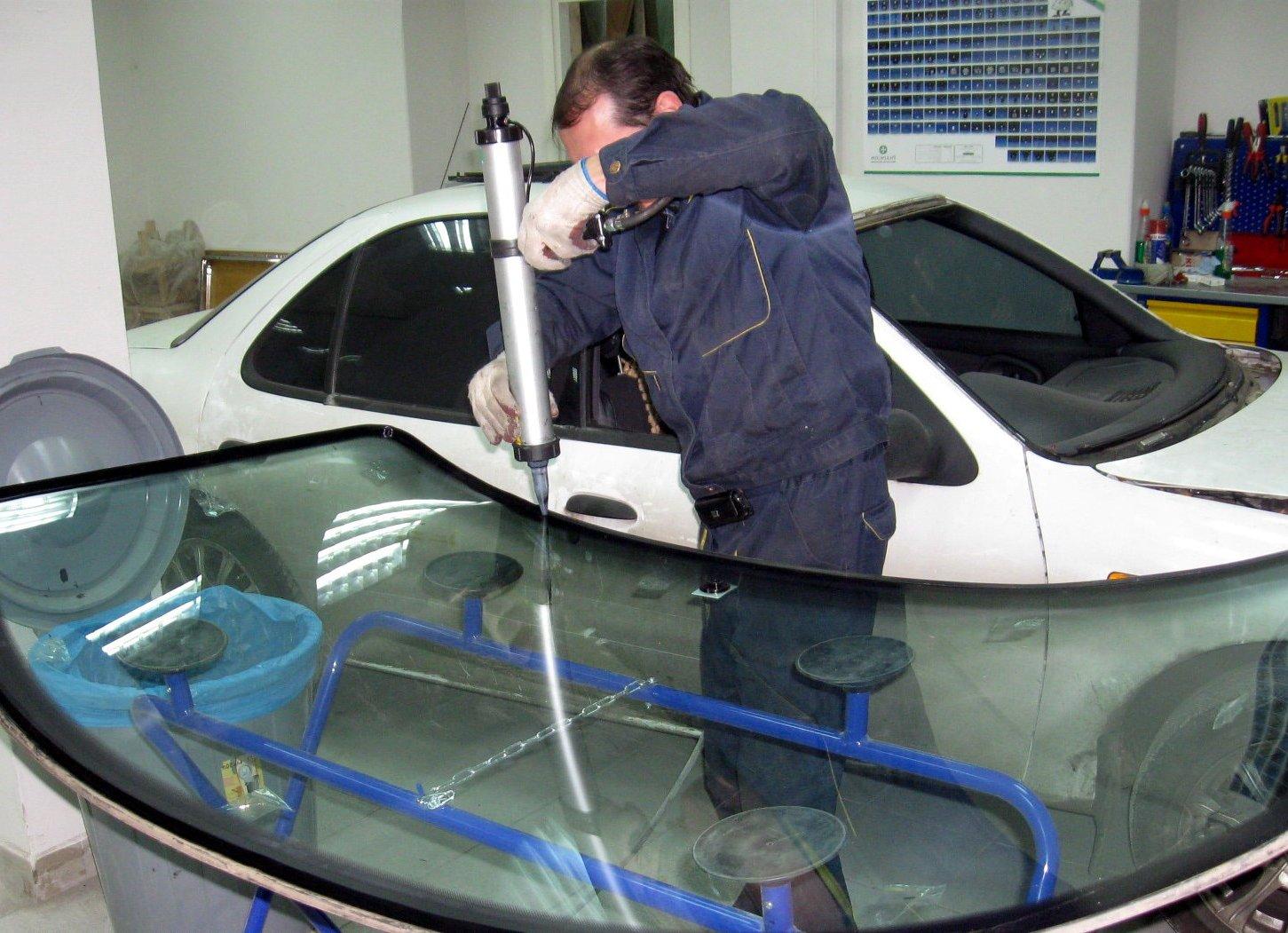 установка автостекла после продажи