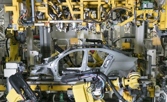 Volkswagen приостановит производство автомобилей в РФ