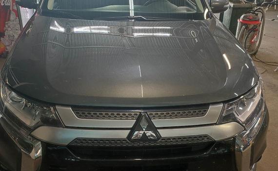 Замена лобового стекла на Mitsubishi Outlander 2019г